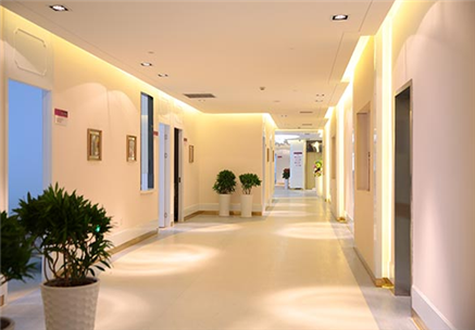 The importance of modern green medical furniture